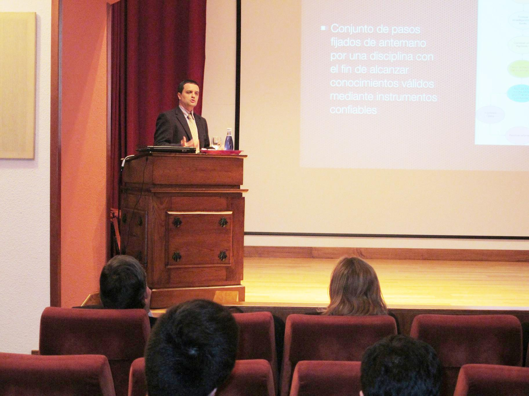 Conferencia de los Doctores Carlos García Estraviz y Ricardo García Mayor