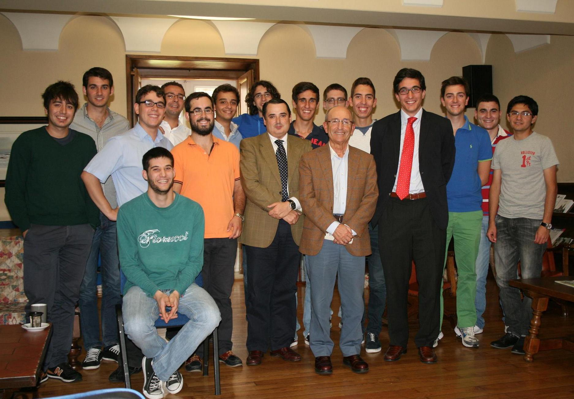 José Manuel Rey Novoa, Drector de El Correo Gallego para participar en una tertulia con universitarios