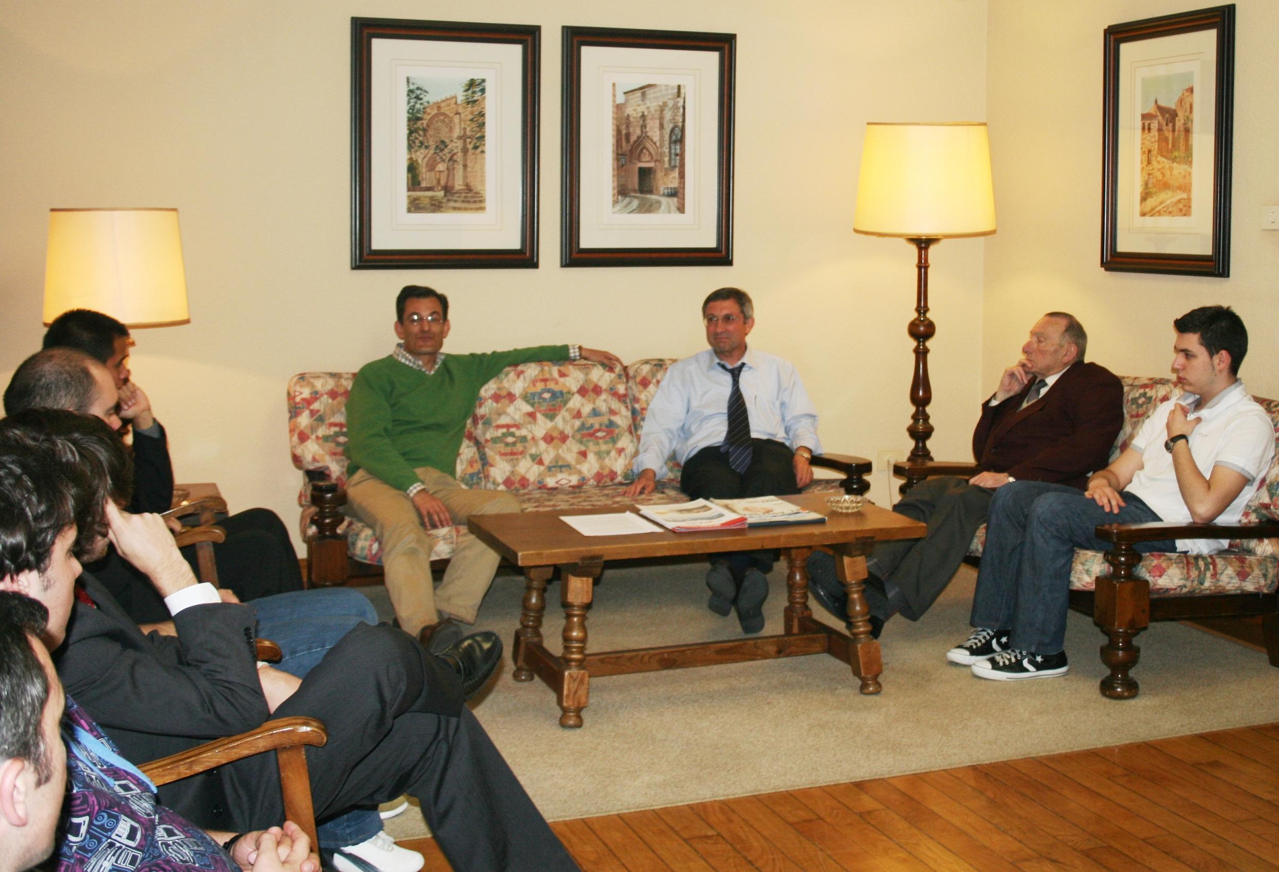 Cena Debate sobre las series de televisión con el periodista Jesús Fontenla