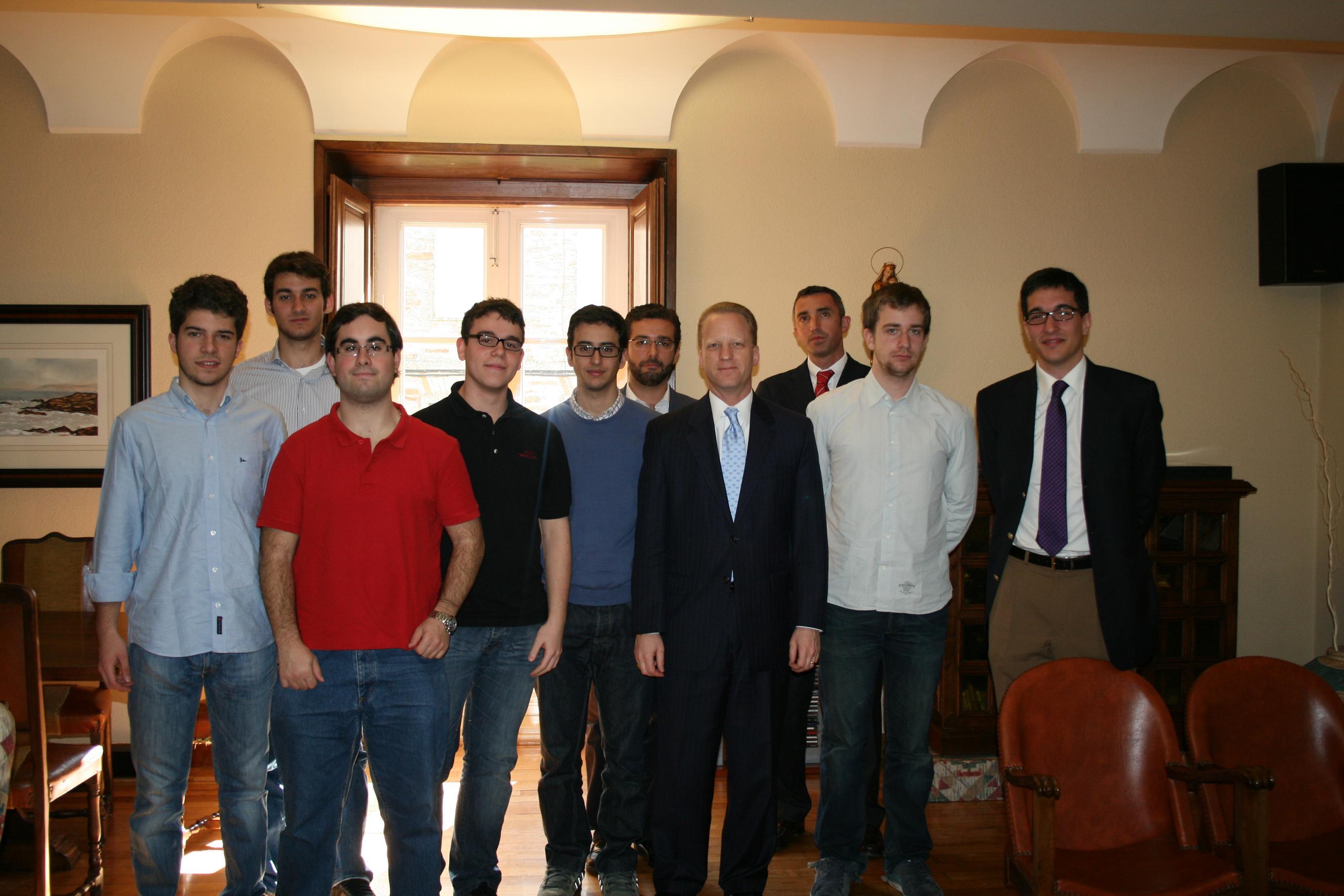Programa doble en El Colegio Mayor con la visita de Stephen M. Liston (Diplomático de EE.UU.) y  DE Grigori Nedobora (violinista de la Real Filarmonía de Galicia)