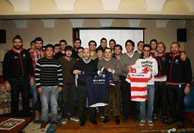El equipo Vigo Rugby visita el Colegio Mayor