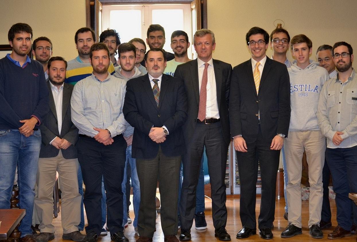 Alfonso Rueda Valenzuela, Vicepresidente y Conselleiro de Presidencia de la Xunta de Galicia, participa en una tertulia en el Colegio Mayor