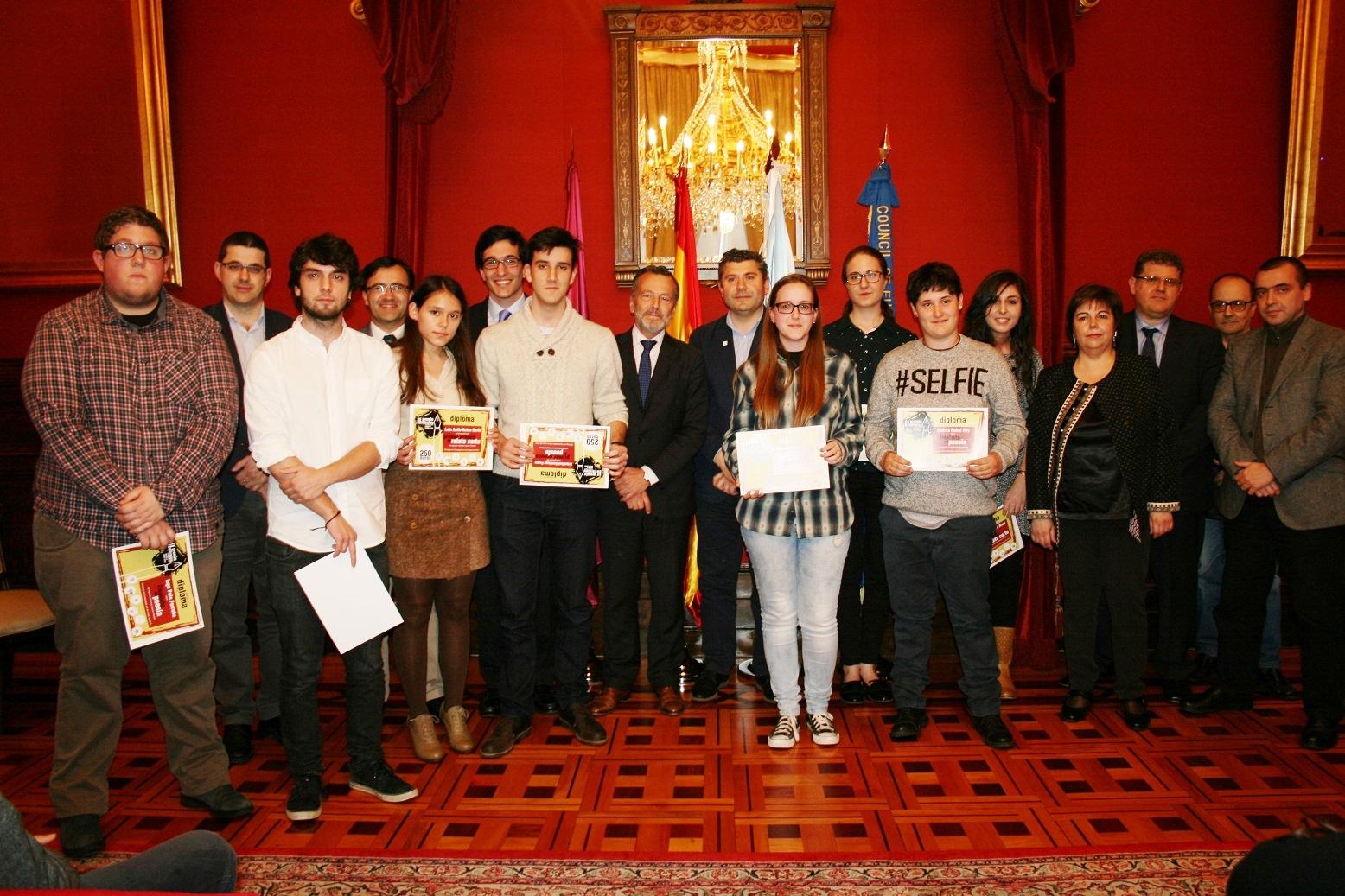 Entrega de los Galardones de la 2ª Edición del Premio Vitrales de poesía y relato corto organizado por el Colegio Mayor