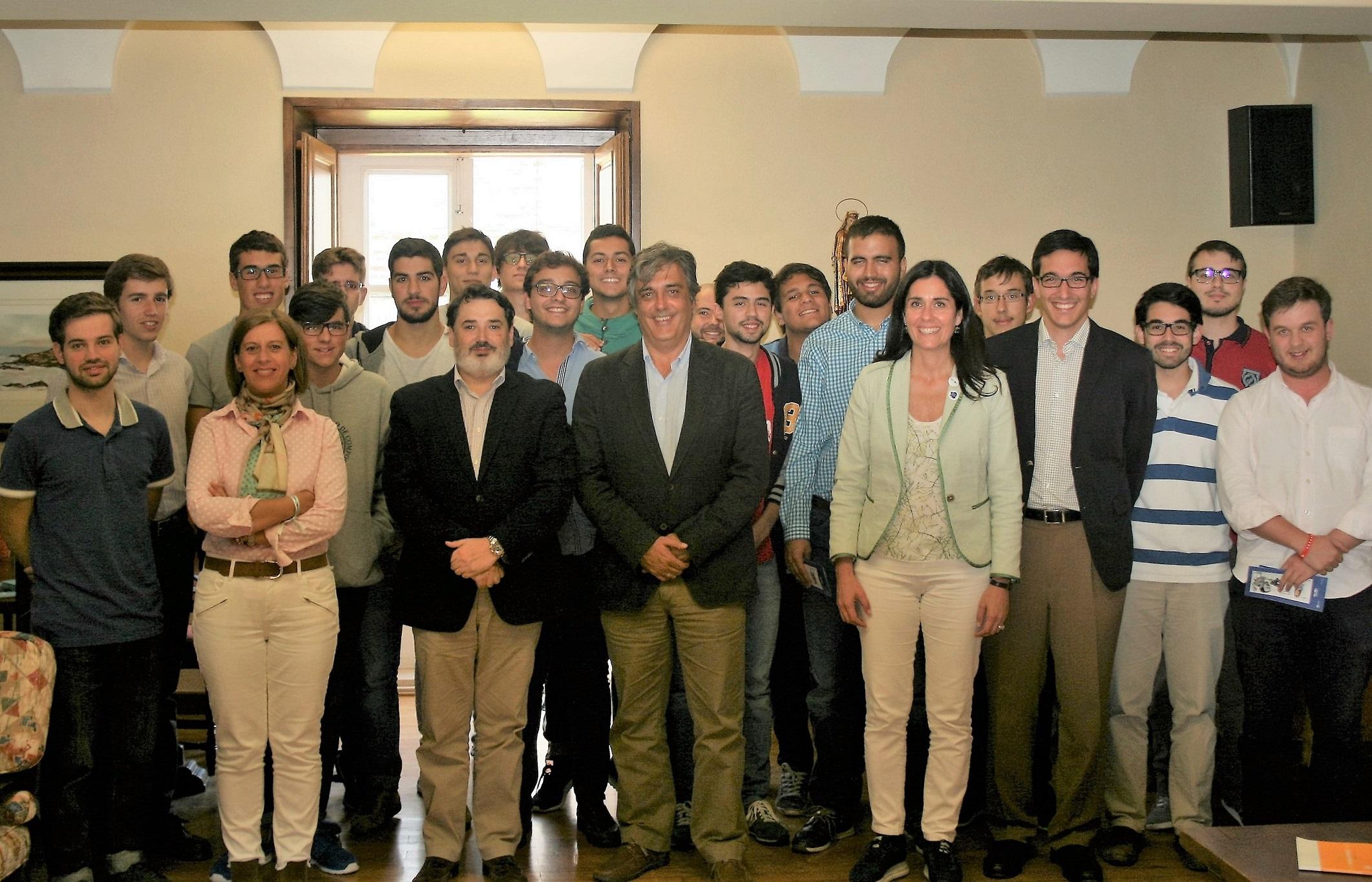Representantes del Partido Popular presentan sus propuestas en el Colegio Mayor