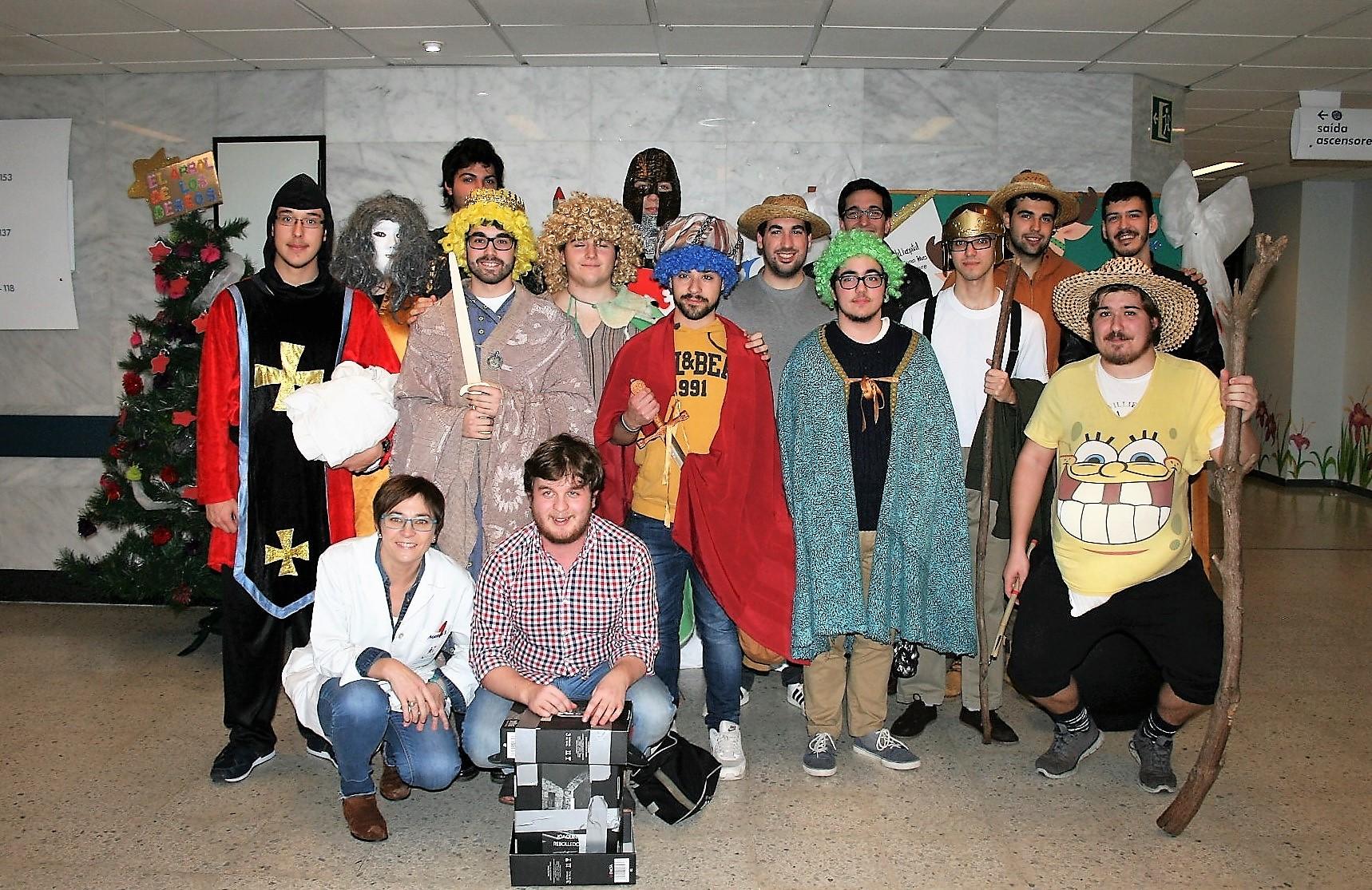 El Grupo de teatro del Colegio Mayor actúa en el Hospital Clínico