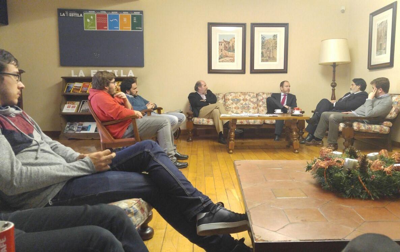 El Director del Aeropuerto de Lavacolla de Tertulia en La Estila